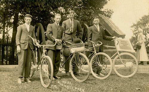 Bicyclists at the High Water Mark Monument, Gettysburg, Pa., 1912