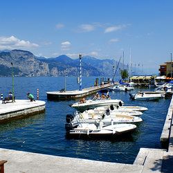 Hafen in Castelletto di Brenzone. ©UdoSm