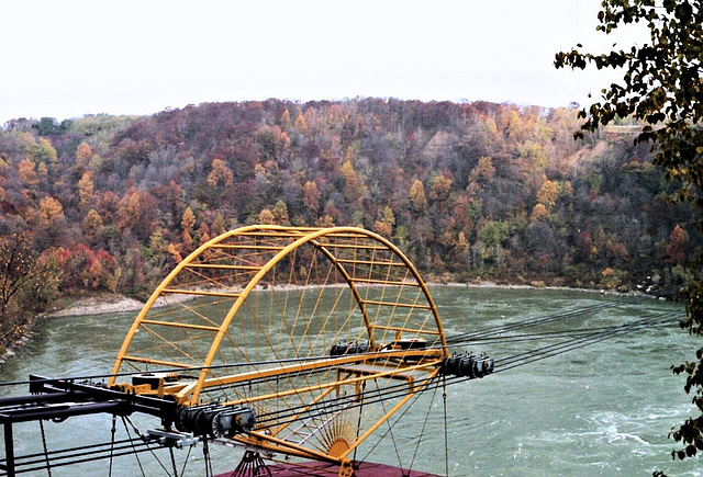 Niagara river whirlpool gondola cable gear