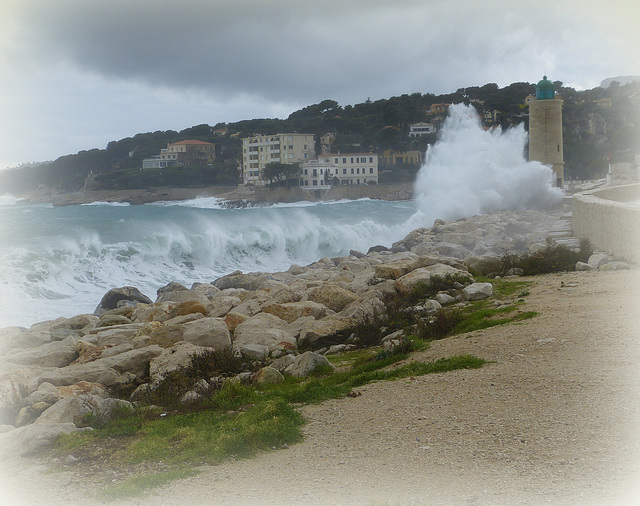 ...le phare de Cassis ,hier...