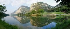 Lago di Toblino mit Castel Toblino. ©UdoSm