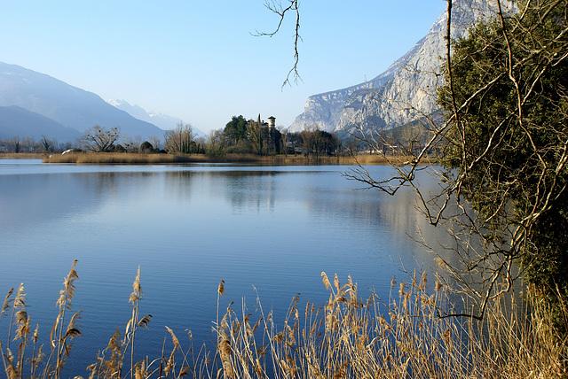Lago di Toblino mit Blick nach Süden zu Lago di Garda. ©UdoSm