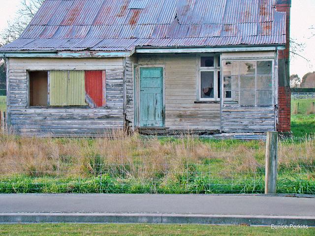 Abandoned house, Temuka