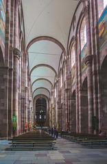 Im Kaiserdom zu Speyer