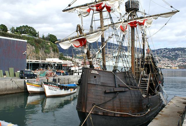 Funchal. Der Nachbau der Santa Maria.  ©UdoSm