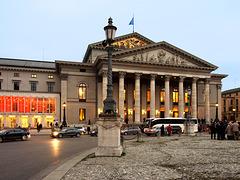 München vor der Oper