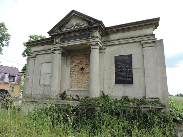 Altes Grabmal in Groß Kienitz