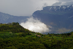 Wolken jagen über den Lago di Garda. ©UdoSm