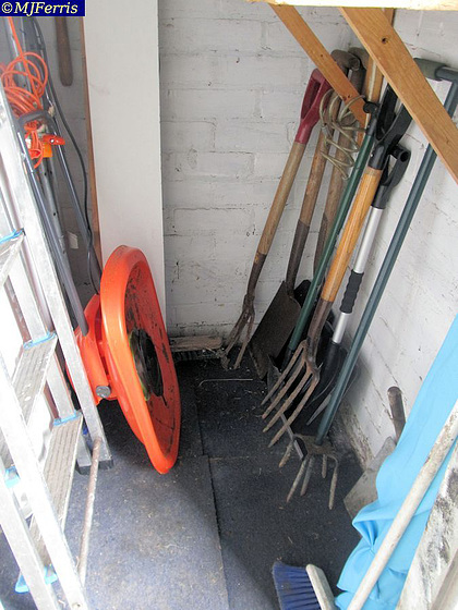 06 tool room tidy up