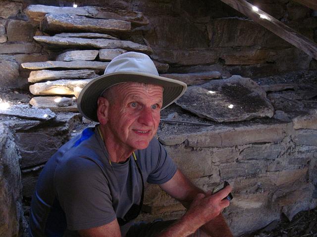 Scott in Samuelson's Cellar (5846)