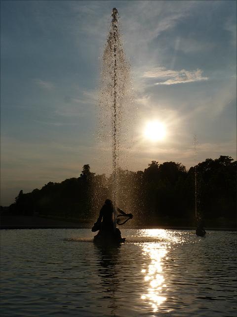 Abend über dem Arionbrunnen