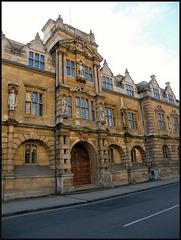 Oriel College with Rhodes statue