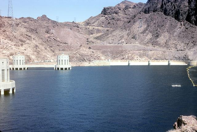 02-back_of_Hoover_Dam_ig_adj