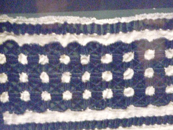 blue stitching detail2