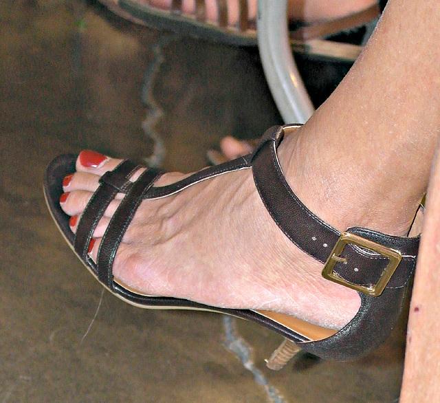 close up in nine west heels