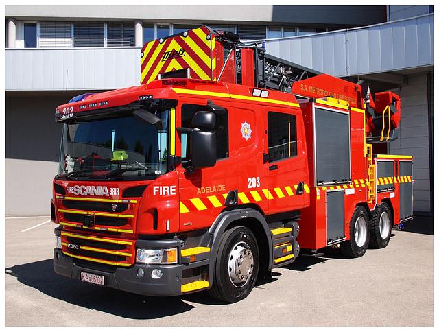 Metz/Rosenbauer Fire Engine Adelaide (AUS)