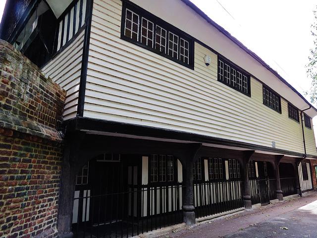 queen elizabeth's grammar school, faversham, kent