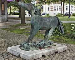 """""""The Great Horse"""" – Cabot Square, Saint Catherine Street at Atwater, Montréal, Québec"""