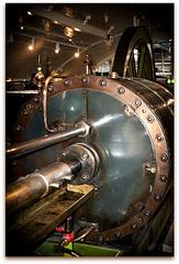 Kolben im Maschinenraum der Tower Bridge