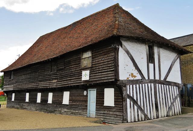 mediaeval warehouse, conduit st., faversham, kent (1)
