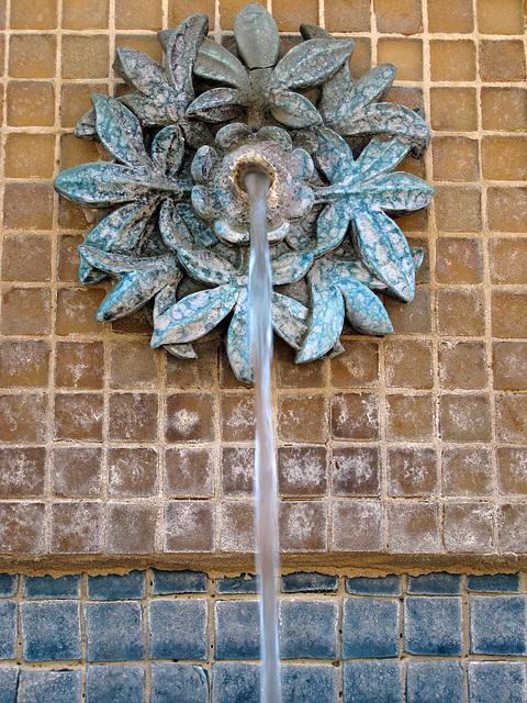 Fountain on El Paseo (0183)