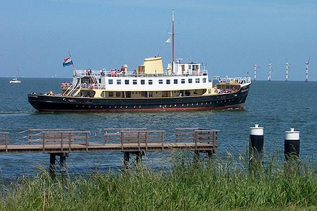 MS Friesland bij Medemblik