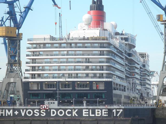 Queen Elizabeth im Dock