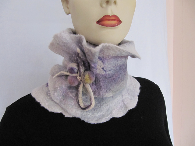felted collar scarf - grey