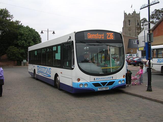 DSCN1170 Beestons Coaches YN02 XDO