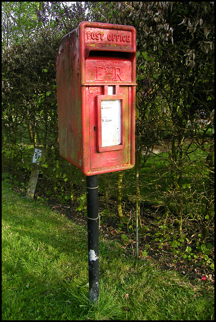 post box OX7 606