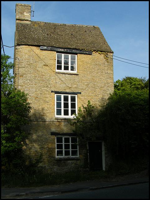 three-storey cottage