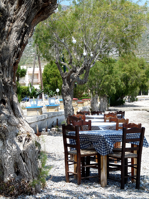 Beachside Taverna in Alinda