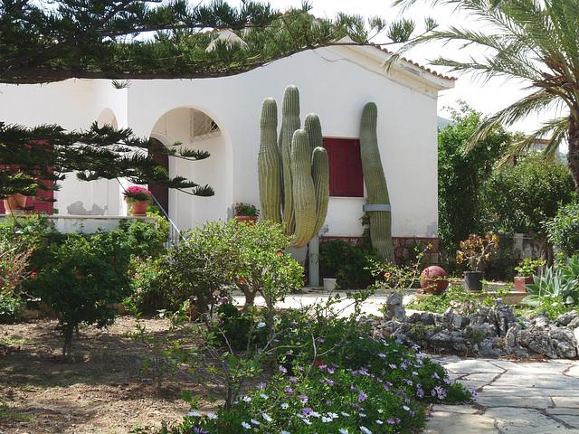Villa in Alinda