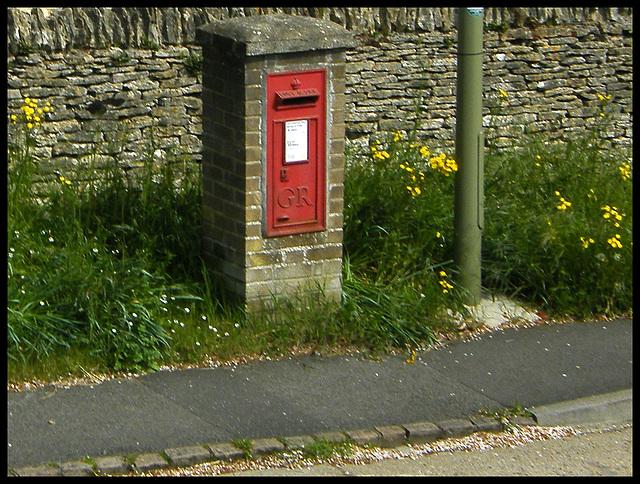 Manor Road post box