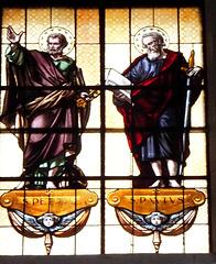 Pieve di Tremosine. Kirche San Giovanni Battista. Fensterbildnisse der Apostel Petrus und Paulus. . ©UdoSm