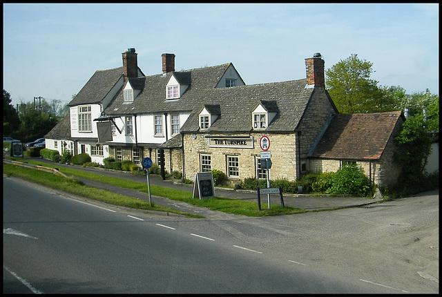 Turnpike pub at Yarnton