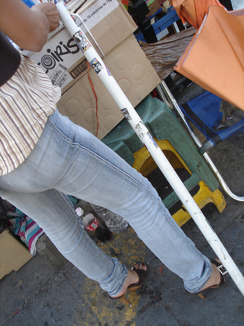 Iris Lady - Parasol & talons hauts / High heels & parasol.