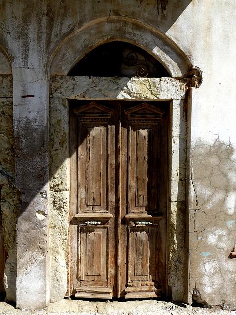 Pedi- Distressed Doors