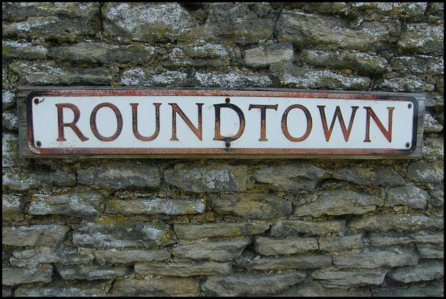 Roundtown street sign