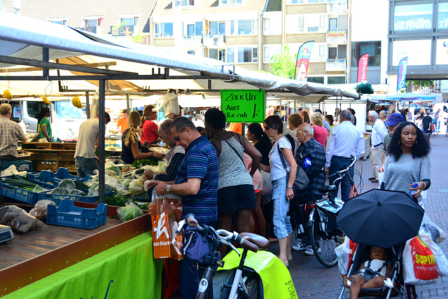 Market in Dort