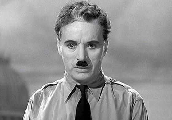 Charlie Chaplin : La Diktatoro
