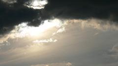 Storm - Dunkelheit und Lichtblicke