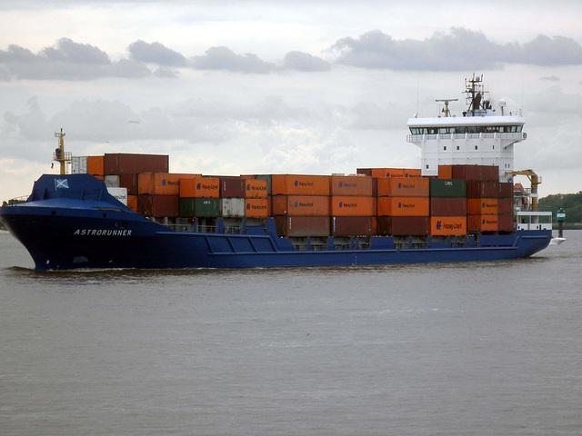 Feeder-Containerschiff  ASTRORUNNER