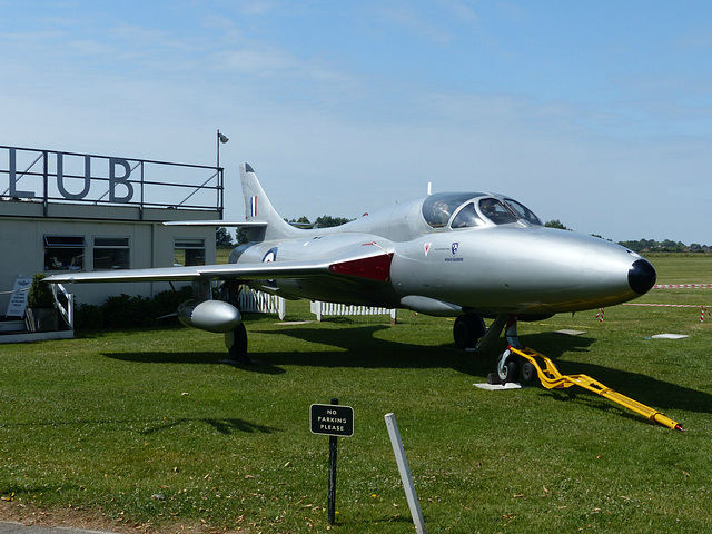 Hunter XE665 at Goodwood (2) - 1 July 2014