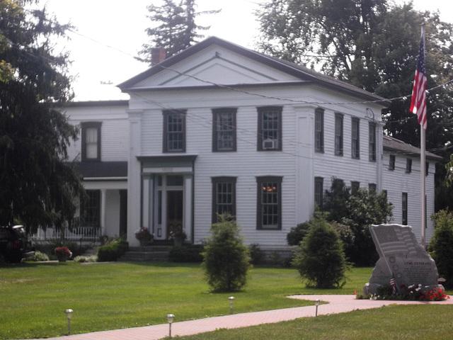 Cozy house / Maison ancestrale.