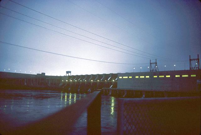 16-Ice_Harbor_Dam_ig_adj