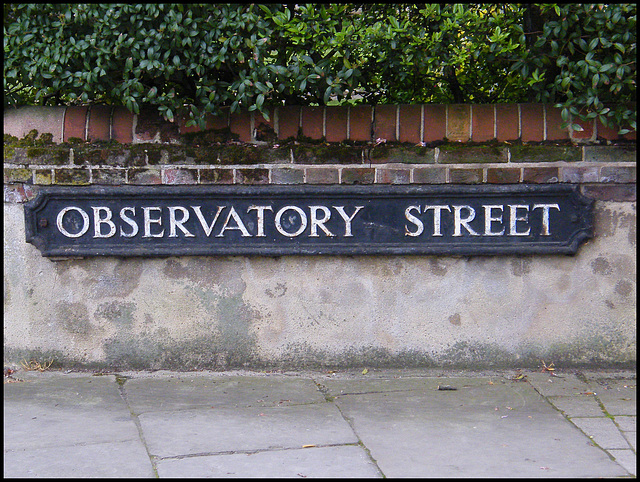Observatory Street street sign