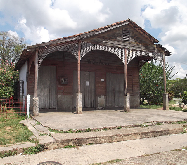 Barn wood cuban building.