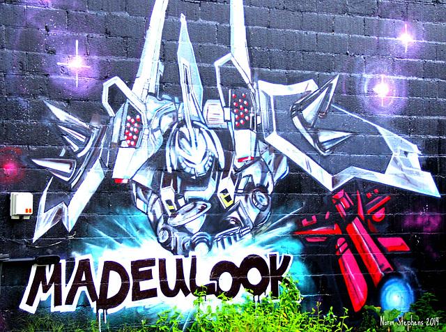 MADEULOOK