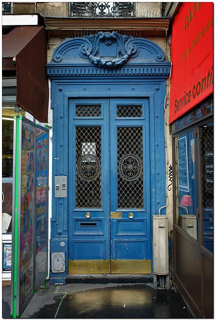 Tür, blau